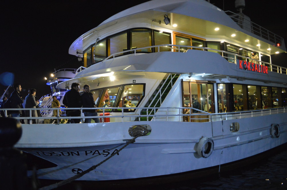 Bosporus cruise boat