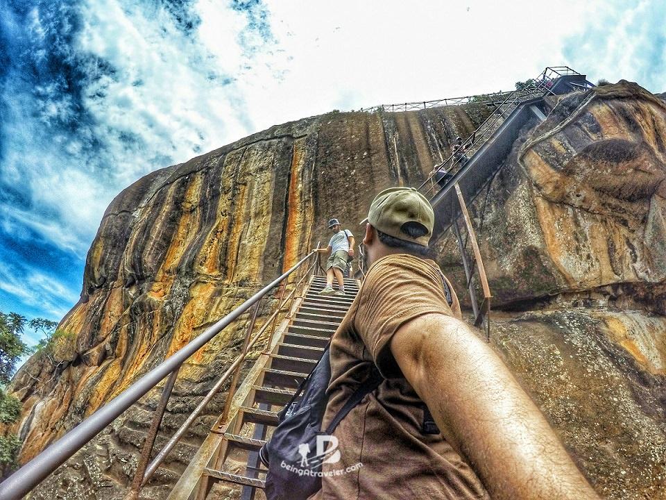 Climbing Lion Rock - beingatraveler bilal Azam