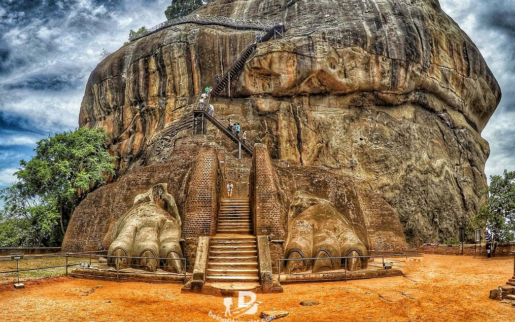 How To Visit Sigiriya Lion Rock Using Local Transport By Bus