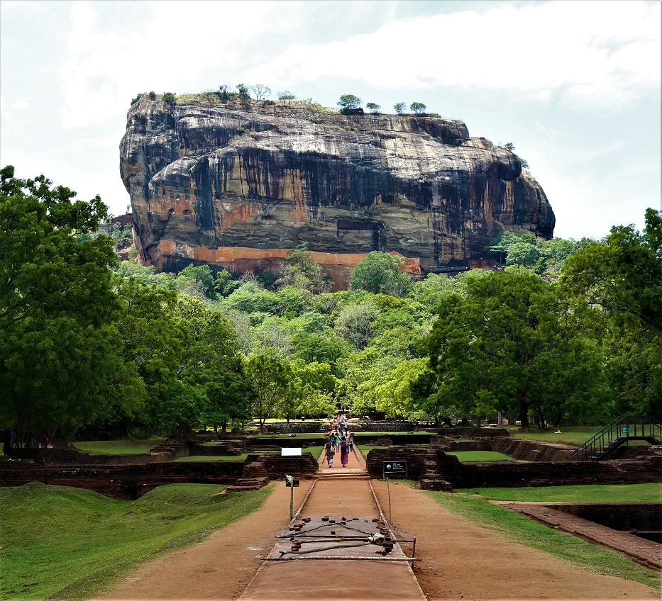 Sigiriya Lion Rock - Hike - beingatraveler.com