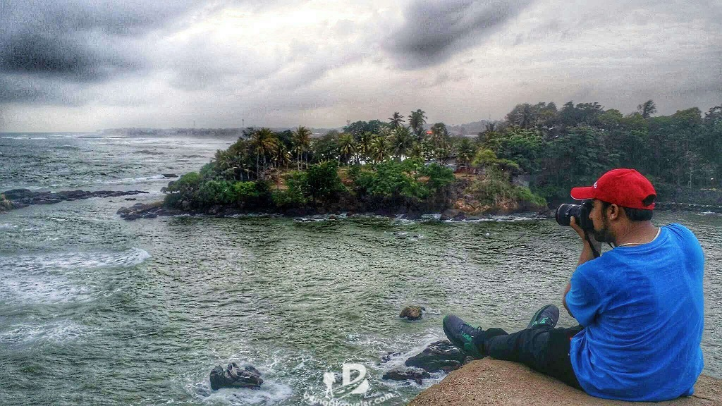Sitting at Galle Fort Edge - beingatraveler.com - bilal azam