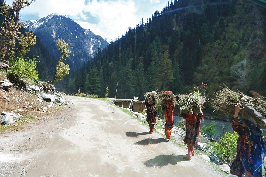 visit neelam valley kashmir roads